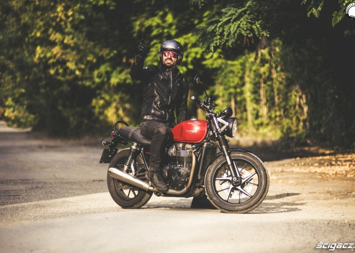 triumph street twin barry