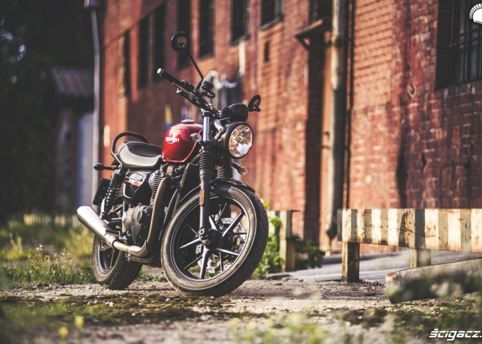 triumph street twin stylowka