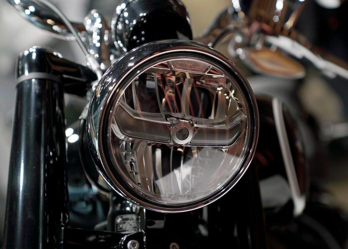 BMW R18 przednia lampa