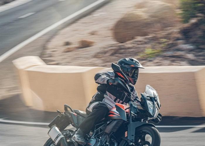 KTM 390 Adventure 2020 asfalt droga lewy zakret