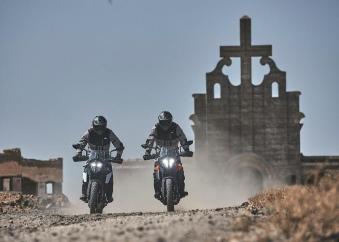 KTM 390 Adventure 2020 dwa motocykle off kosiol