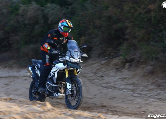 035 triumph barry test maroko