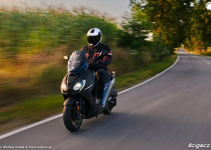 08 Peugeot Pulsion 125 28 zakret