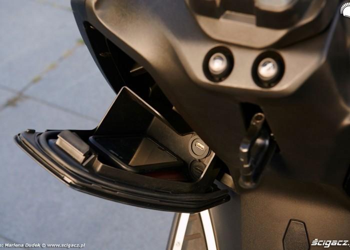 Peugeot Pulsion 125 08 schowekUSB