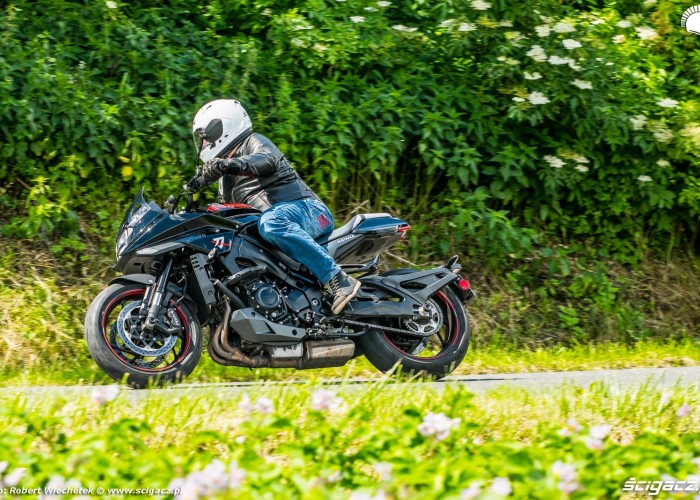 04 Suzuki Katana FRW 33