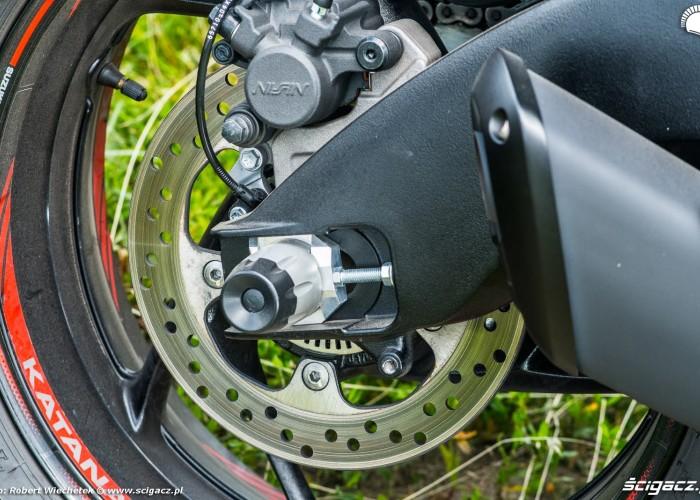Suzuki Katana 2020 hamulce tyl