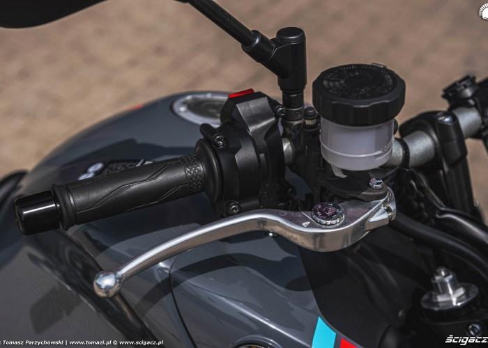 26 2021 Yamaha MT 09 klamka hebel