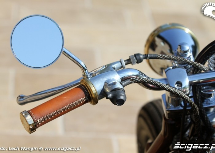 19 BMW R75 Brown Betty lusterko