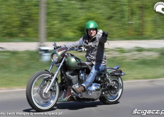 05 Harley Davidson Dyna Super Glide Custom dynamika