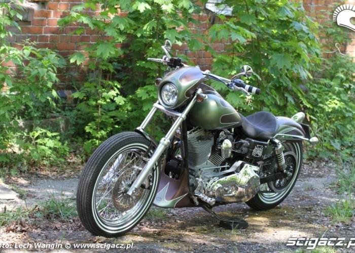 09 Harley Davidson Dyna Super Glide Custom przodem