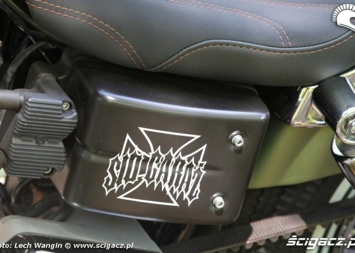 25 Harley Davidson Dyna Super Glide Custom 2004