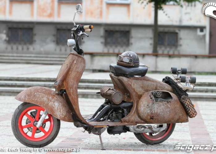 17 Yamaha rat rust scoot