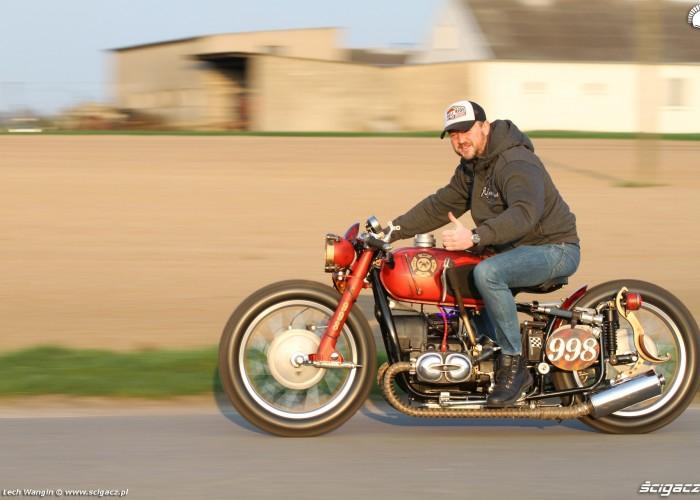 04 Dniepr K650 Fire Bike custom na drodze
