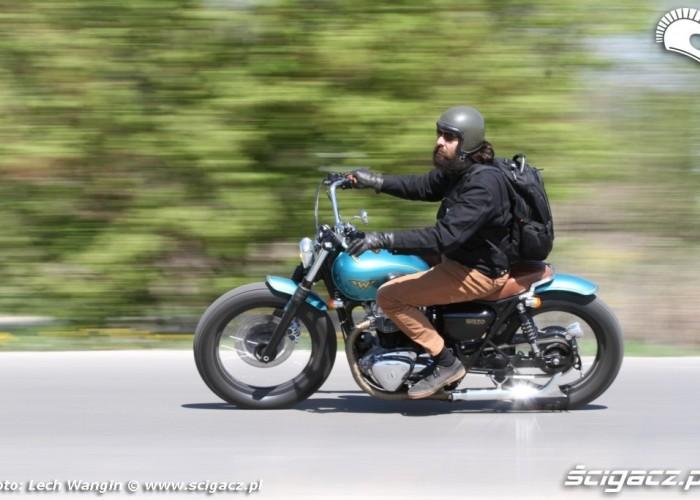 02 Kawasaki W 650 Flying Duxe jazda