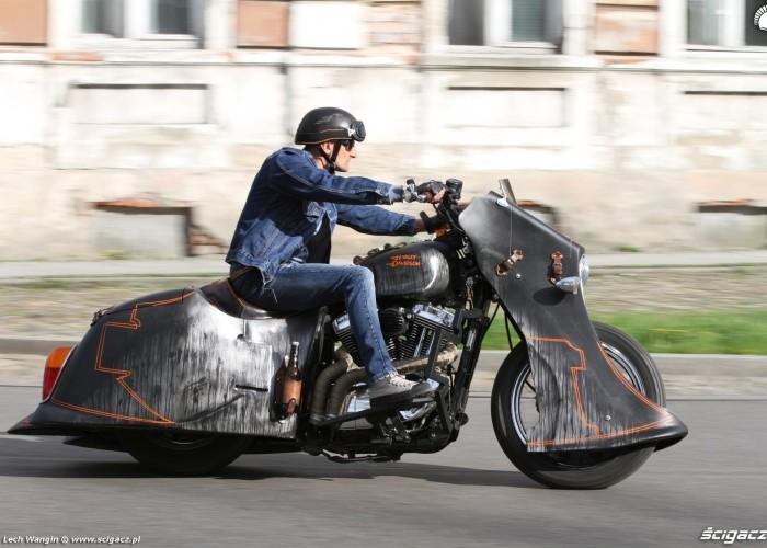 08 Harley Davidson Led Sled w akcji