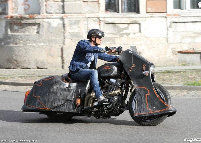 10 Harley Davidson Led Sled dynamika