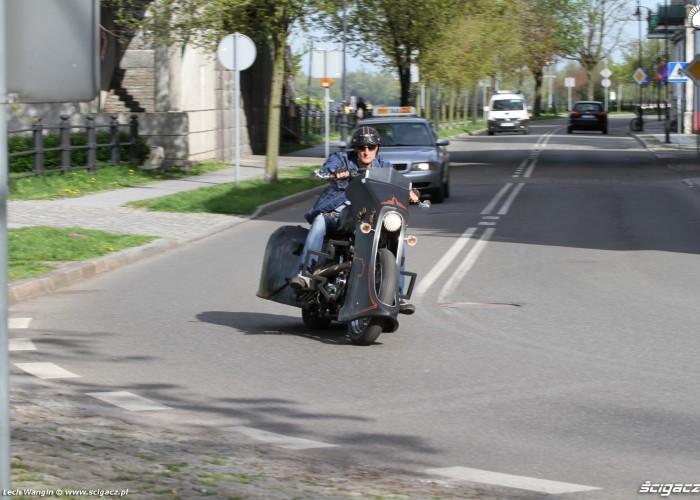 15 Harley Davidson Sportster 1200 Led Sled na ulicy
