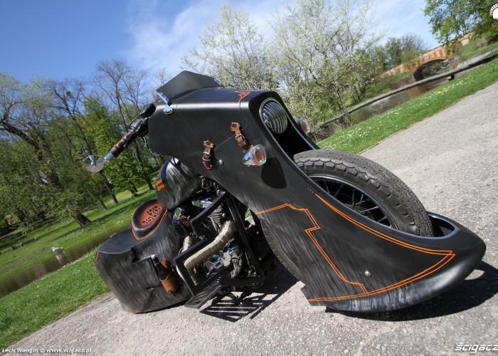 27 Harley Davidson Sportster 1200 Led Sled custom bike