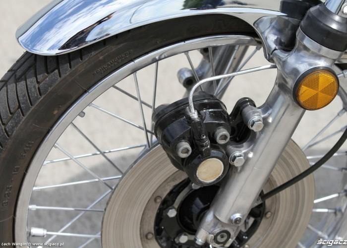 12 Kawasaki Z1 hamulec przood