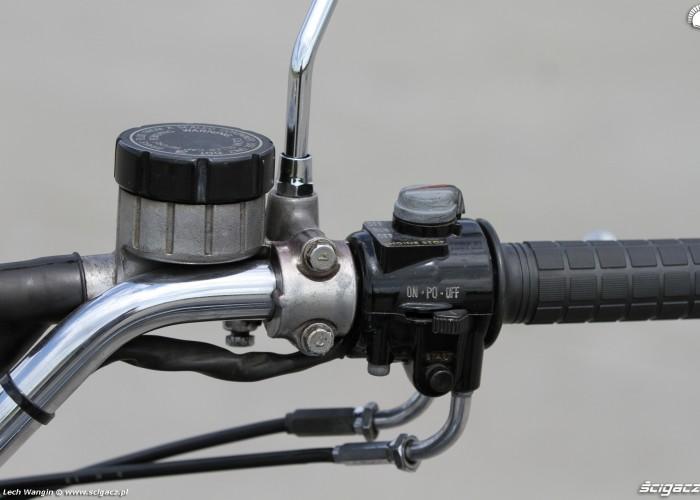 17 Kawasaki Z1 zbiorniczek plynu hamulcowego