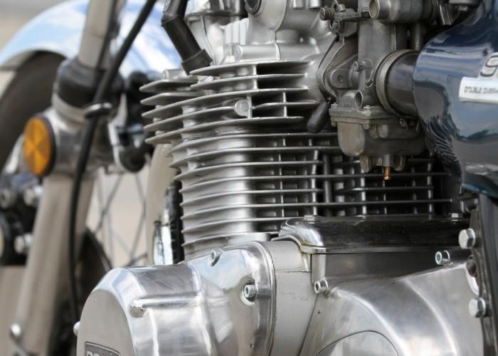33 Kawasaki Z1 DOHC