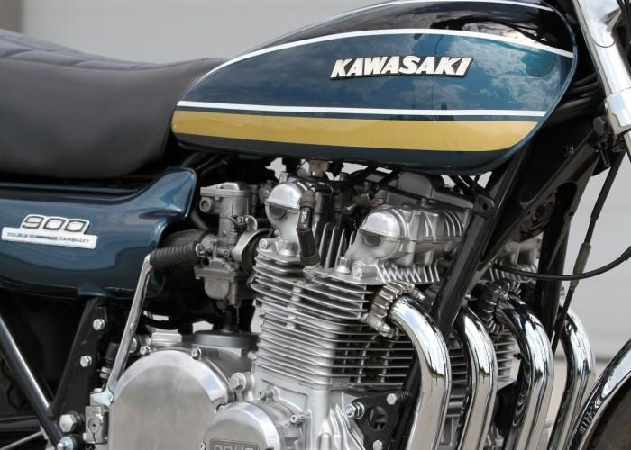39 Kawasaki Z1 motor