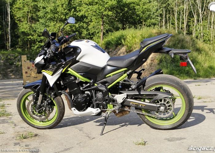 04 Kawasaki Z900 2021 lewy profil