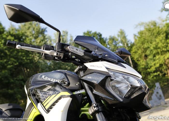 06 Kawasaki Z900 2021 z przodu