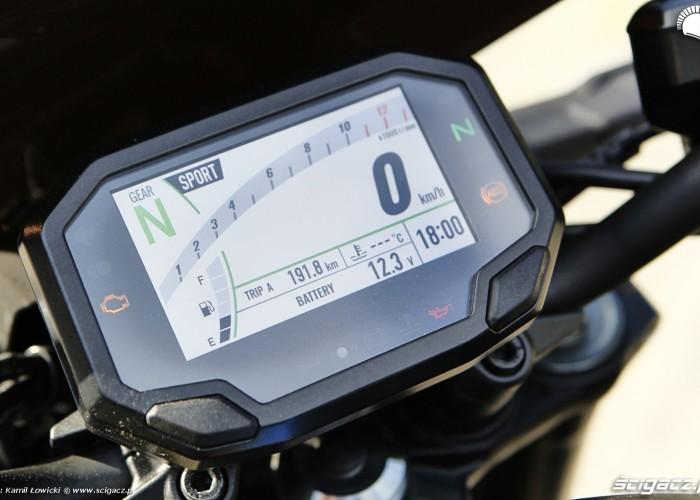 10 Kawasaki Z900 2021 zegar