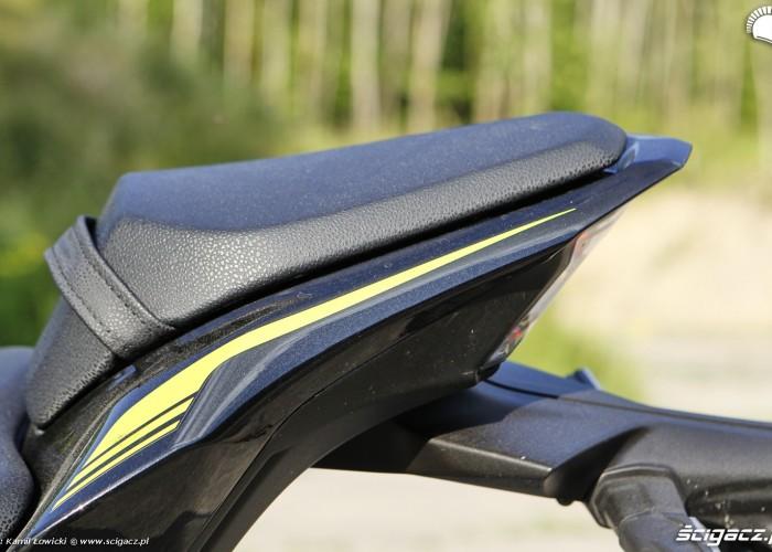 11 Kawasaki Z900 2021 zadupek