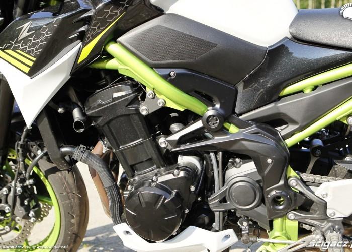 23 Kawasaki Z900 2021 motor