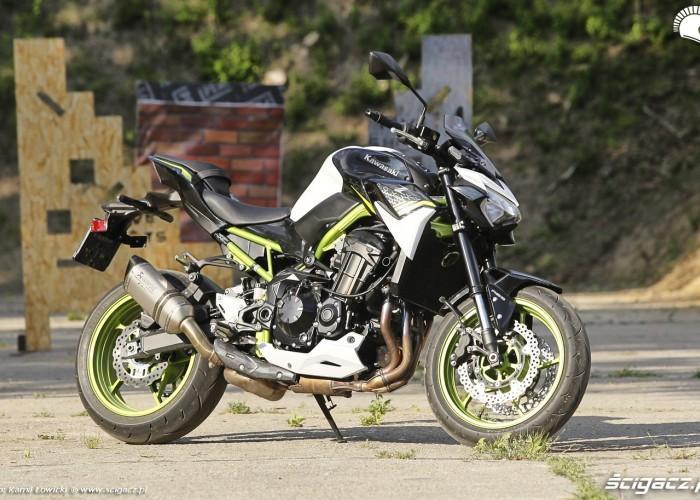 32 Kawasaki Z900 2021