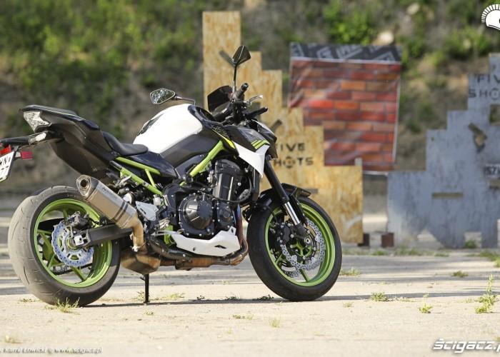 34 Kawasaki Z900 2021
