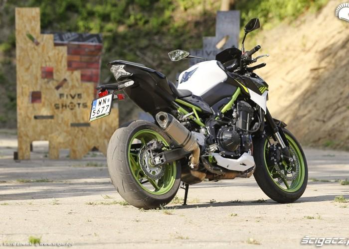 36 Kawasaki Z900 2021