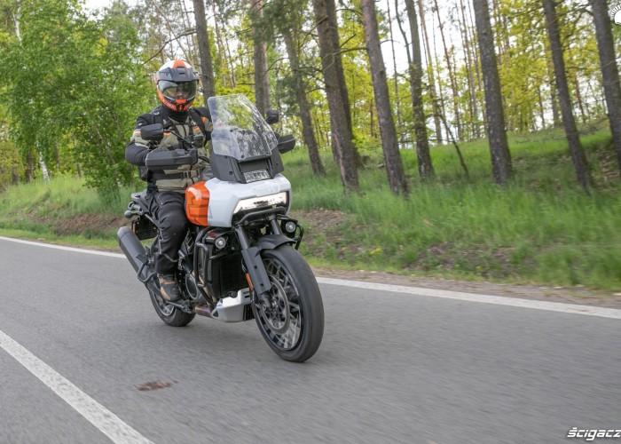 12 Harley Davidson 1250 Pan America asfalt