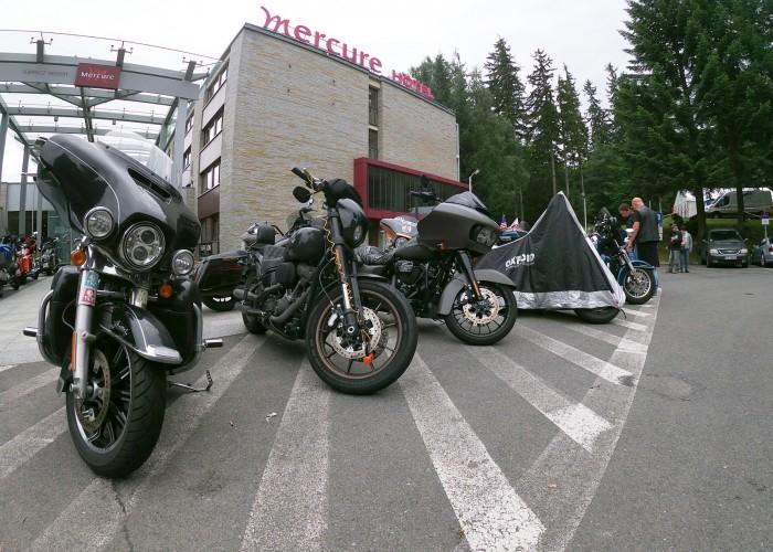polish bike week 2021 motocykle przed hotelem
