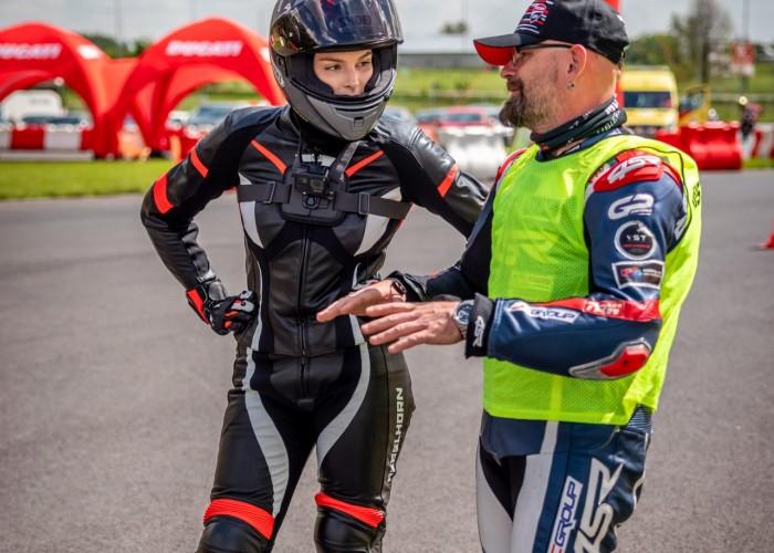21 Testy prasowe Ducati Monster 2021