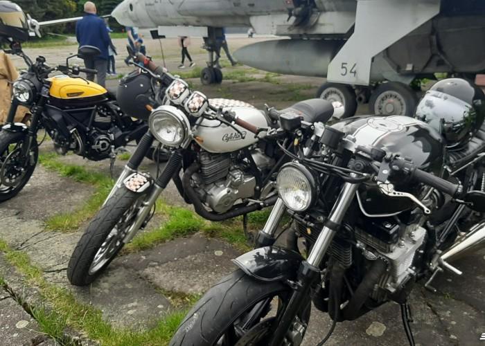 17 The Distinguished Gentlemans Ride cafe racer
