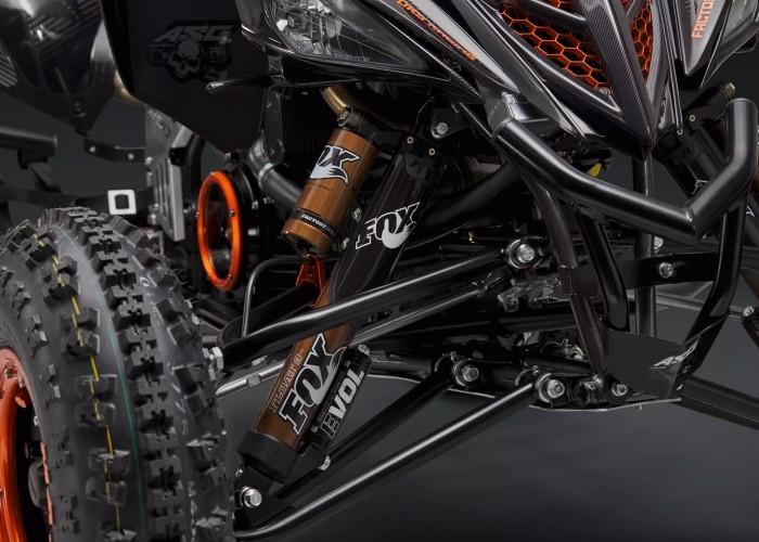21 Quad z silnikiem KTM 1290 Super Adventure S zawieszenie