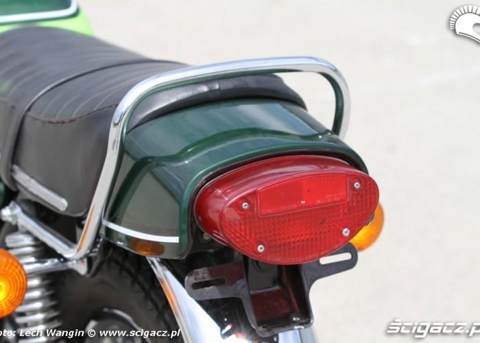 14 Kawasaki H1 Mach 3 lampa tyl