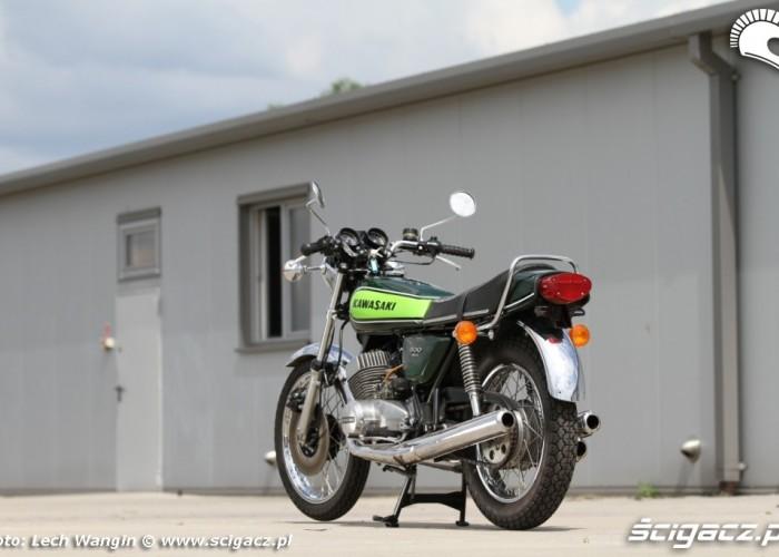 19 Kawasaki H1 Mach 3 tylem