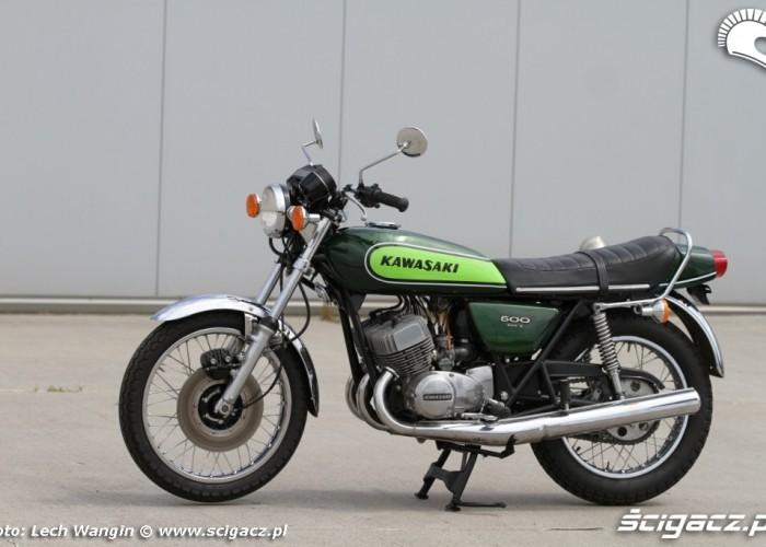 20 Kawasaki H1 Mach 3 lewa strona