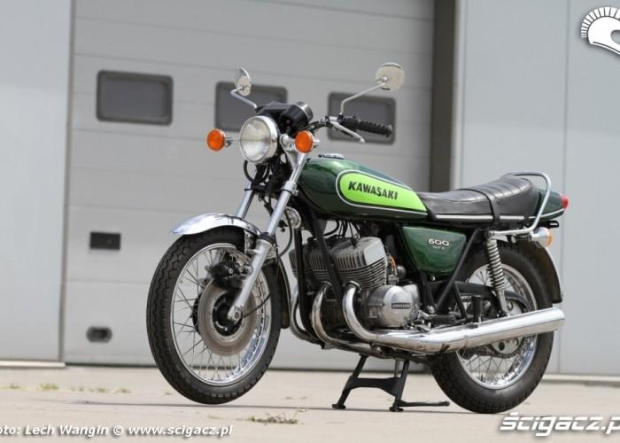 23 Kawasaki H1 Mach 3 statyka