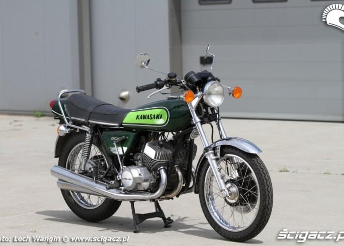 24 Kawasaki H1 Mach 3 prawy przod