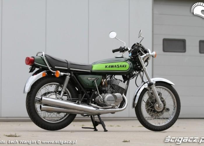 29 Kawasaki H1 Mach 3 z profilu