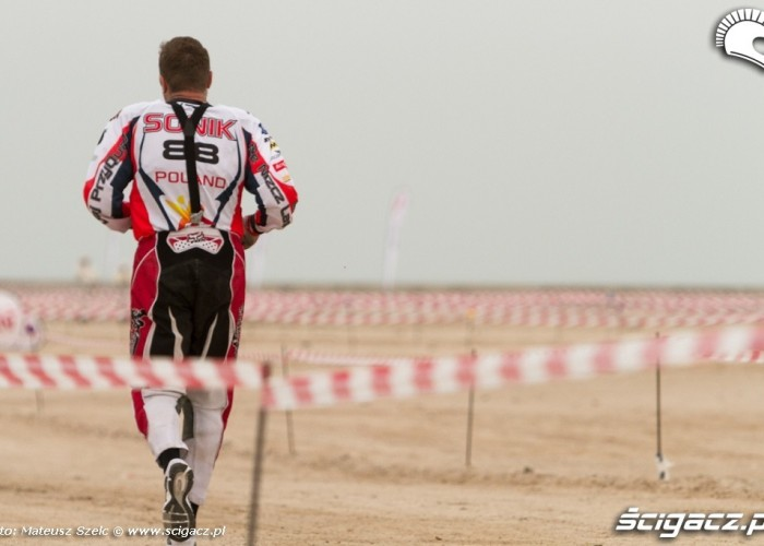 Abu Dhabi Desert Challenge 2012 Sonik