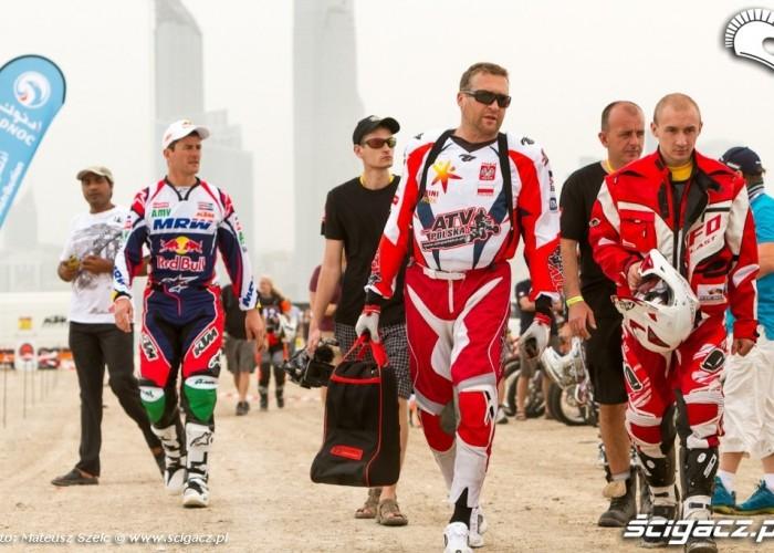 Abu Dhabi Desert Challenge 2012 Sonik i Laskawiec na starcie