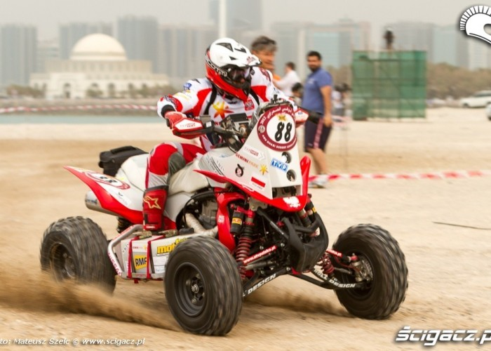 Rafal Sonik na quadzie Abu Dhabi Desert Challenge 2012