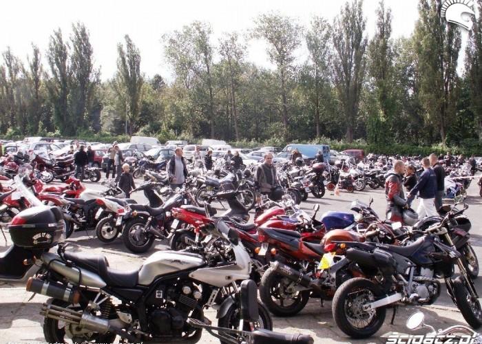 parking motocykli Motobazar w Warszawie 18-19 wrzesnia