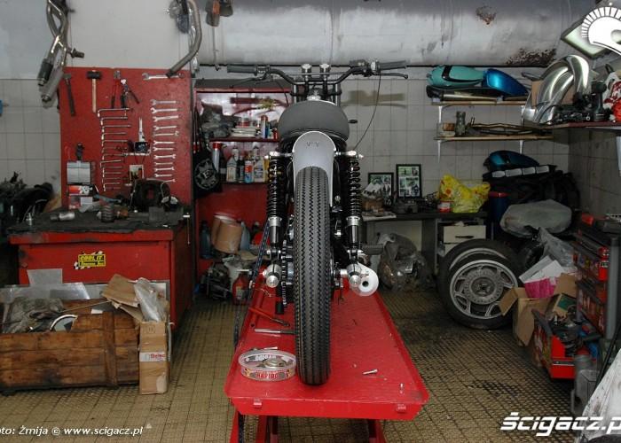 Motocykl na serwisie Blitz Motorcycles